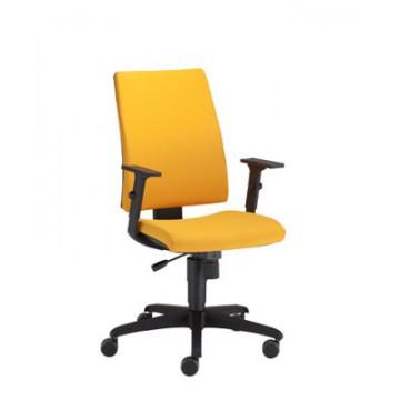 Biurowy fotel obrotowy INTRATA Operative